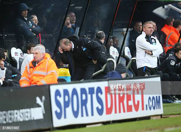 Steve McLaren Newcastle United's manager reacts during the Barclays Premier League match between Newcastle United and AFC Bournemouth at St James...