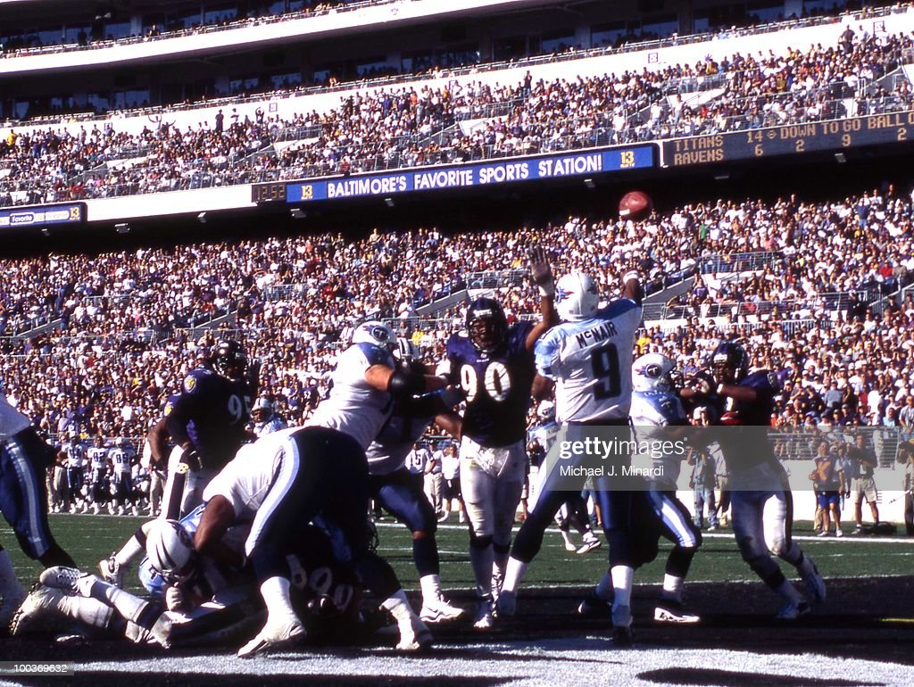QB Steve McNair #9 of the Tennessee Titans passes in a NFL game against the Baltimore Ravens at PSINet Ravens Stadium on October 22, 2000 in Baltimore, Maryland. The Titans won 14 to 6.
