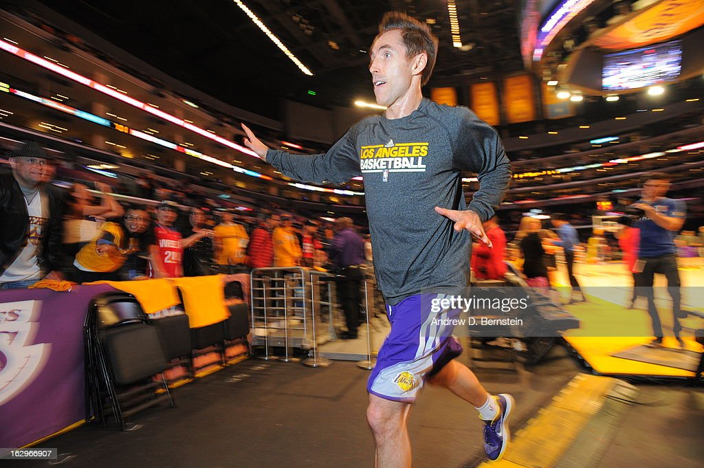 <a gi-track='captionPersonalityLinkClicked' href=/galleries/search?phrase=Steve+Nash+-+Basketball+Player&family=editorial&specificpeople=201513 ng-click='$event.stopPropagation()'>Steve Nash</a> #10 of the Los Angeles Lakers goes to shake peoples hands against the Los Angeles Clippers at Staples Center on February 14, 2013 in Los Angeles, California.