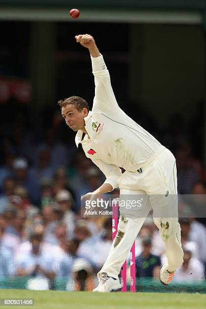 Steve O'Keefe of Australia bowls during day two of the Third Test match between Australia and Pakistan at Sydney Cricket Ground on January 4 2017 in...