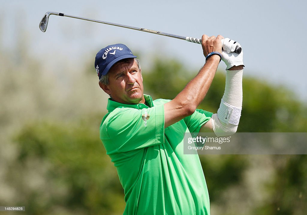 <a gi-track='captionPersonalityLinkClicked' href=/galleries/search?phrase=Steve+Pate&family=editorial&specificpeople=1058332 ng-click='$event.stopPropagation()'>Steve Pate</a> watches his tee shot on the second hole during the second round of the 2012 Senior PGA Championship at the Golf Club at Harbor Shores on May 25, 2012 in Benton Harbor, Michigan.