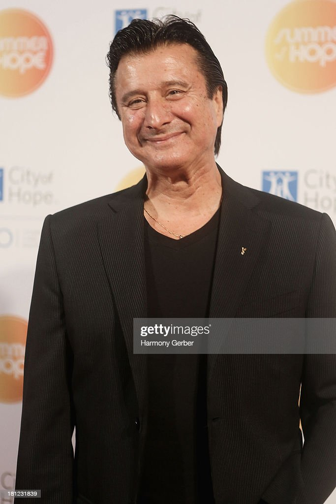 <a gi-track='captionPersonalityLinkClicked' href=/galleries/search?phrase=Steve+Perry+-+Singer&family=editorial&specificpeople=4778806 ng-click='$event.stopPropagation()'>Steve Perry</a> attends the City of Hope's 2013 Spirit of Life Gala at The Hercules Campus on September 19, 2013 in Playa Vista, California.