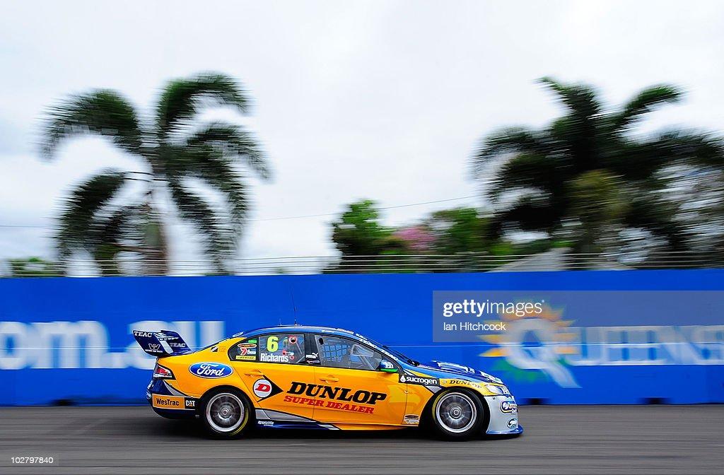 V8 Supercars Round 8 - Qualifying & Race 16