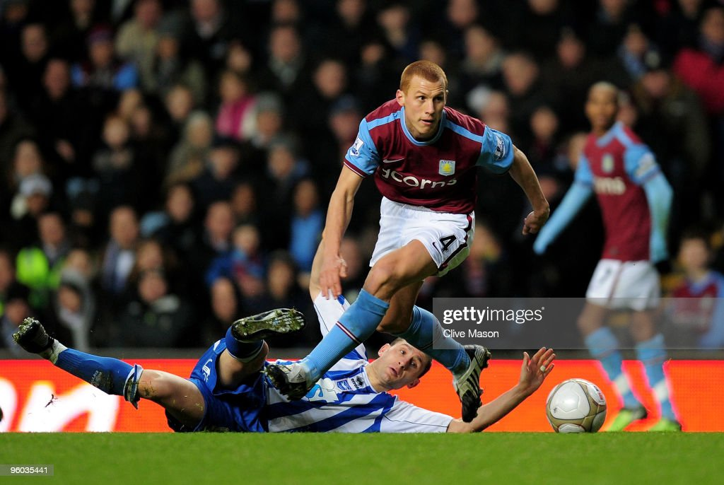 Steve Sidwell of Aston Villa on the attack during the FA Cup sponsored by EON 4th Round match between Aston Villa and Brighton Hove Albion at Villa...