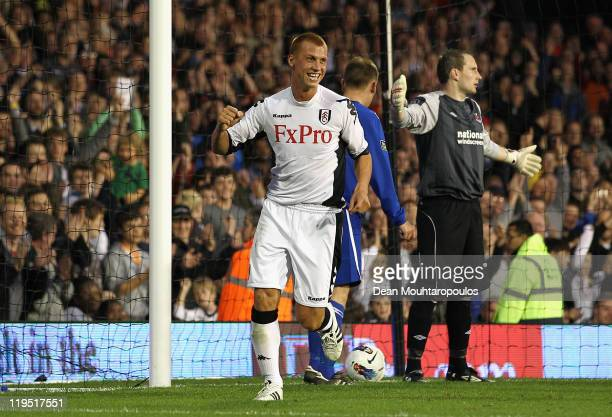 Steve Sidwell of Fulham celebrates scoring his side's fourth goal during the UEFA Europa League 2nd Qualifying Round 2nd Leg match between Fulham and...