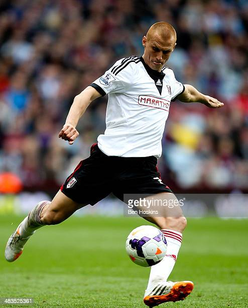 Steve Sidwell of Fulham in action during the Barclays Premier League match between Aston Villa and Fulham at Villa Park on April 5 2014 in Birmingham...