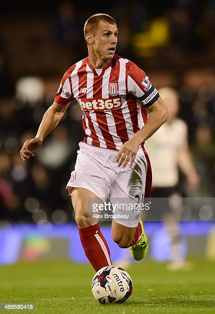 Steve Sidwell of Stoke City in action during the Capital One Cup Third Round match between Fulham and Stoke City at Craven Cottage on September 22...