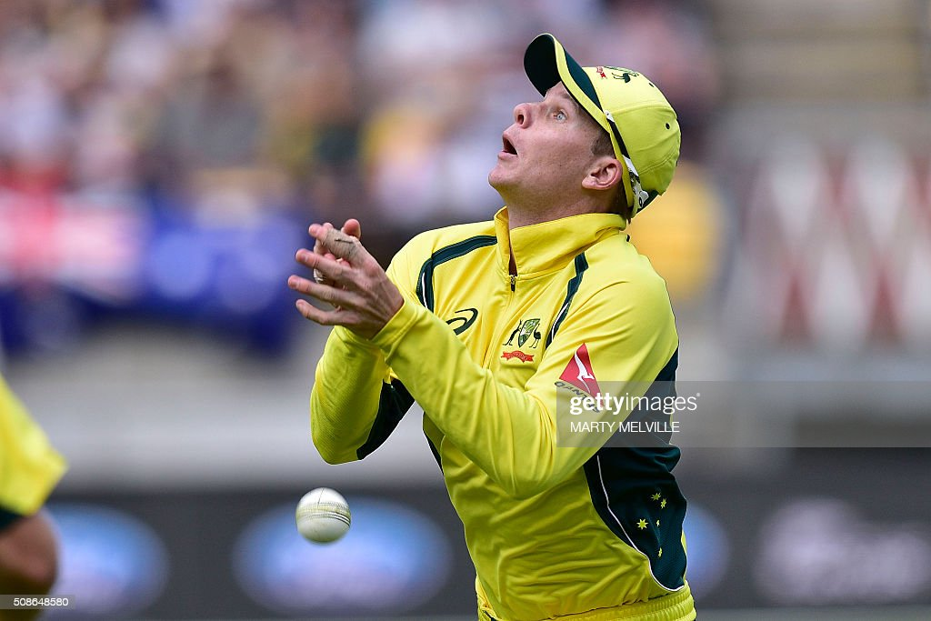 Steve Smith captain of Australia drops a catch from Mitchell Santner of New Zealand during the 2nd one-day international cricket match between New Zealand and Australia at Westpac Stadium in Wellington on February 6, 2016. AFP PHOTO / MARTY MELVILLE / AFP / Marty Melville