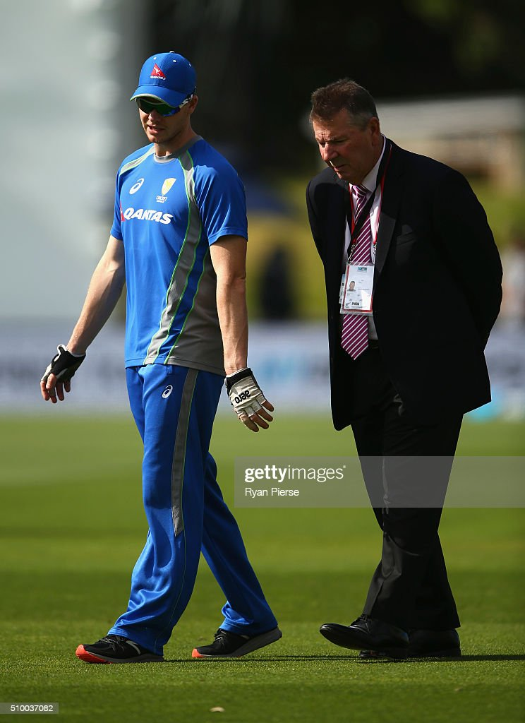 Steve Smith of Australia spekas with Australian Chairman of Selectors Rod Marsh during day three of the Test match between New Zealand and Australia at Basin Reserve on February 14, 2016 in Wellington, New Zealand.