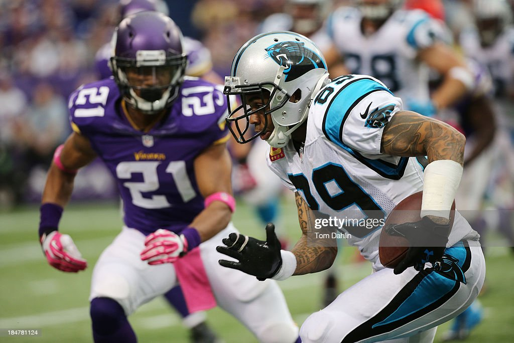 Steve Smith #89 of the Carolina Panthers carries the ball during an NFL game against the Minnesota Vikings at Mall of America Field on October 13, 2013 in Minneapolis, Minnesota.