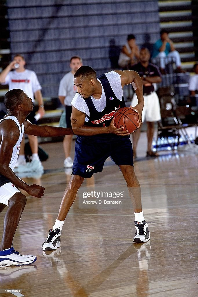 Steve Smith of the United States National Team looks to make his move during practice on August 29 2000 in Maui Hawaii NOTE TO USER User expressly...