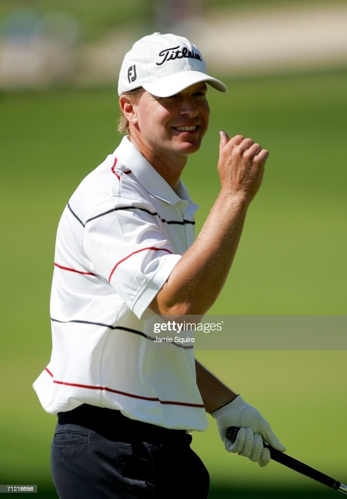 Steve Stricker celebrates making birdie on the second hole during the second round of the 2006 US Open Championship at Winged Foot Golf Club on June...