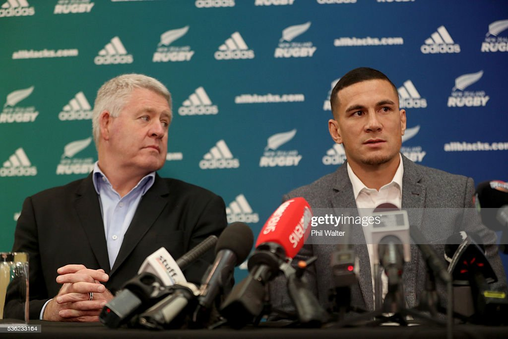 Steve Tew (L) and <a gi-track='captionPersonalityLinkClicked' href=/galleries/search?phrase=Sonny+Bill+Williams&family=editorial&specificpeople=204424 ng-click='$event.stopPropagation()'>Sonny Bill Williams</a> (R) at the Heritage Hotel on June 1, 2016 in Auckland, New Zealand. <a gi-track='captionPersonalityLinkClicked' href=/galleries/search?phrase=Sonny+Bill+Williams&family=editorial&specificpeople=204424 ng-click='$event.stopPropagation()'>Sonny Bill Williams</a> announced today he has signed a three year contract with New Zealand Rugby.