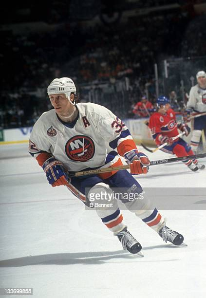 Steve Thomas of the New York Islanders skates on the ice during a 1993 Conference Finals game against the Montreal Canadiens in May 1993 at the...