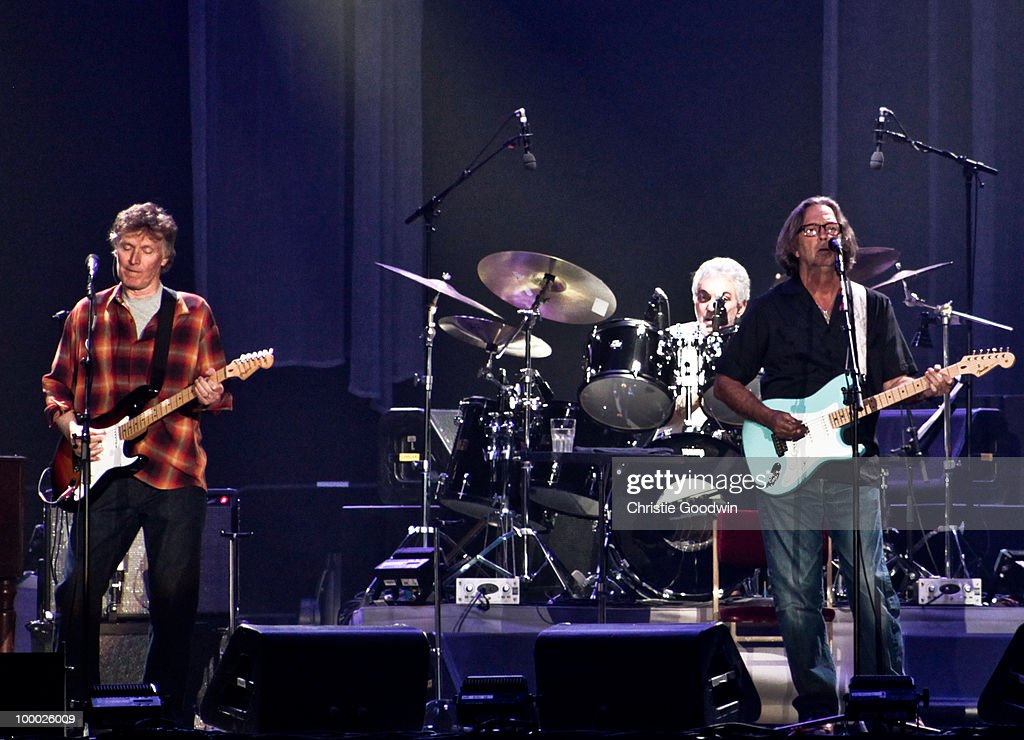 Steve Winwood (L) and Eric Clapton perform on stage at Wembley Arena on May 20, 2010 in London, England.