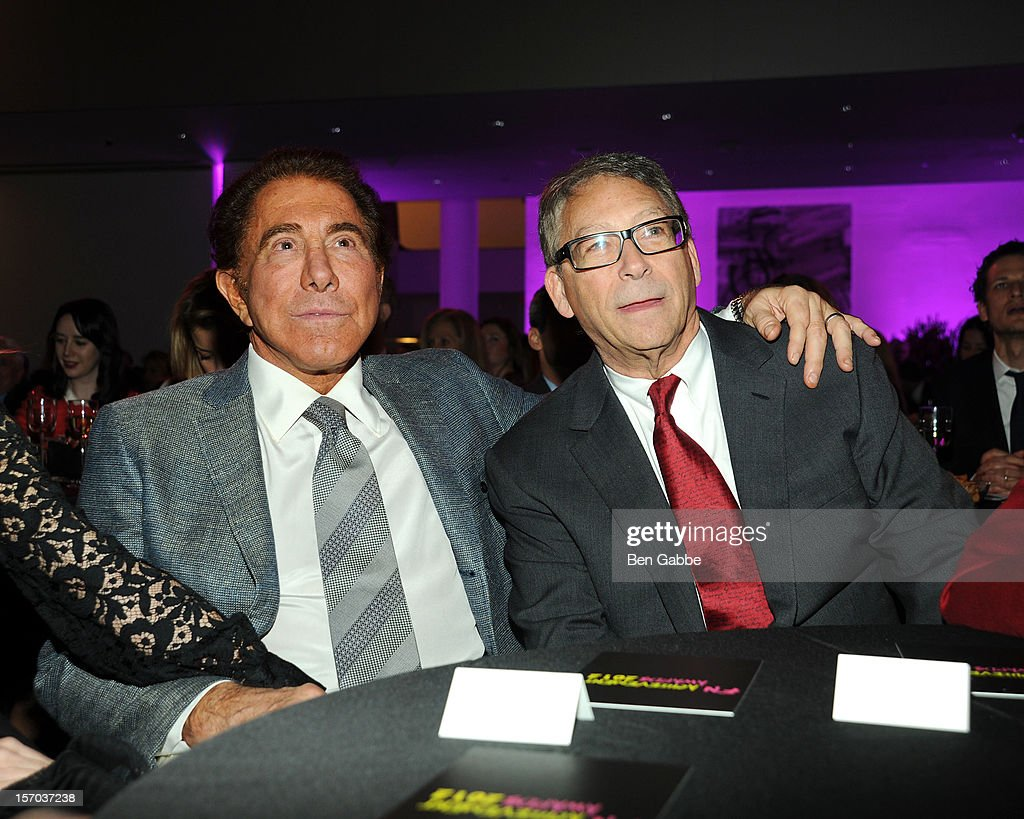 <a gi-track='captionPersonalityLinkClicked' href=/galleries/search?phrase=Steve+Wynn&family=editorial&specificpeople=696427 ng-click='$event.stopPropagation()'>Steve Wynn</a> and Stuart Weitzman attend 2012 Footwear News Achievement Awards at MOMA on November 27, 2012 in New York City.