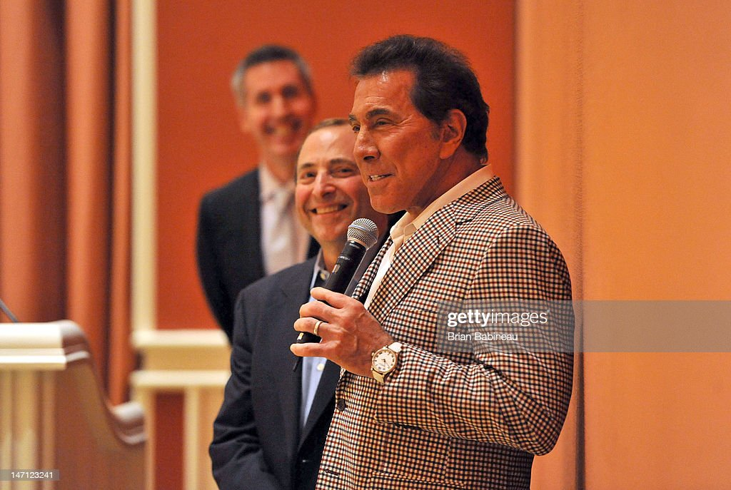 <a gi-track='captionPersonalityLinkClicked' href=/galleries/search?phrase=Steve+Wynn&family=editorial&specificpeople=696427 ng-click='$event.stopPropagation()'>Steve Wynn</a> speaks at a luncheon as NHL Commissioner <a gi-track='captionPersonalityLinkClicked' href=/galleries/search?phrase=Gary+Bettman&family=editorial&specificpeople=215089 ng-click='$event.stopPropagation()'>Gary Bettman</a> looks on prior to the 2012 NHL Awards at Wynn Las Vegas on June 20, 2012 in Las Vegas, Nevada.