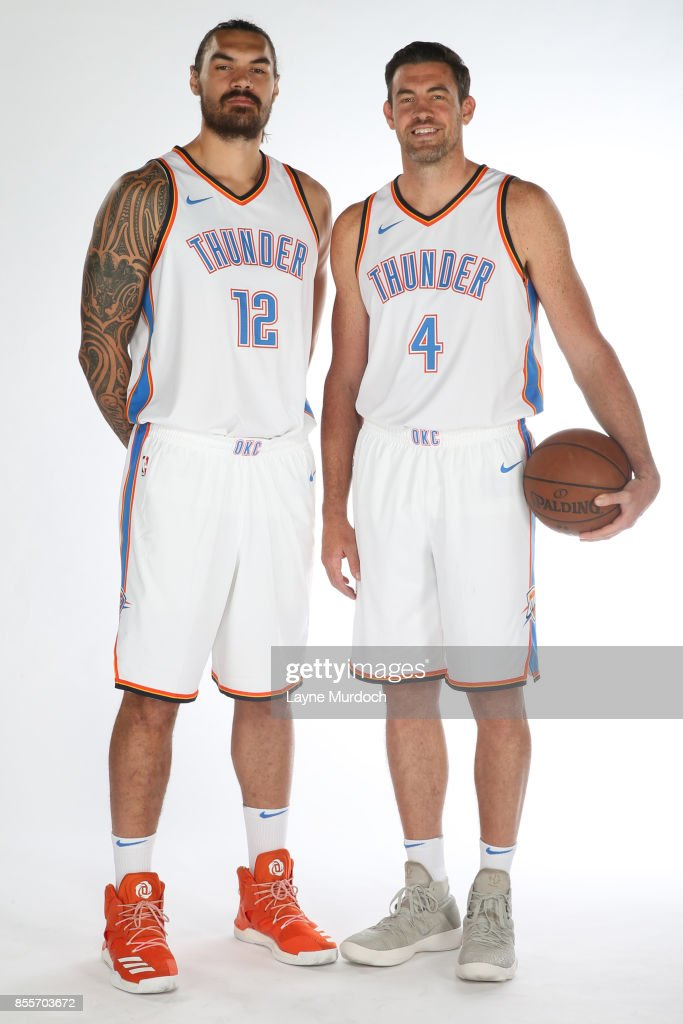 ¿Cuánto mide Kevin Durant? - Altura real: 2,08 - Real height Steven-adams-and-nick-collison-of-the-oklahoma-city-thunder-pose-for-picture-id855703672