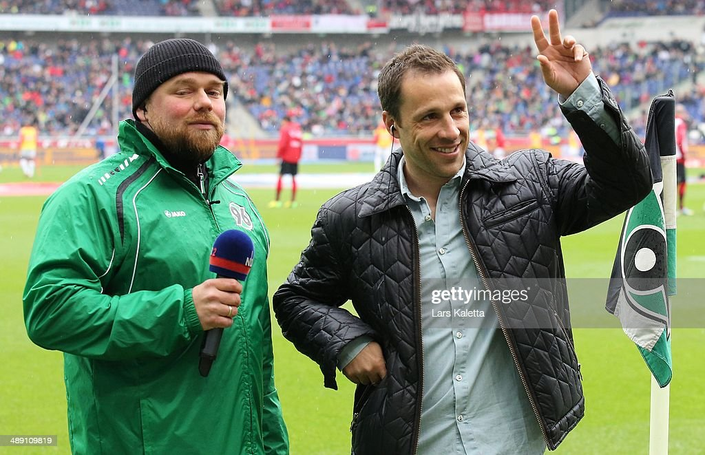 Steven Cherundolo of Hanover is adoped by the fans prior the Bundesliga match between Hannover 96 and SC Freiburg at HDIArena on May 10 2014 in...