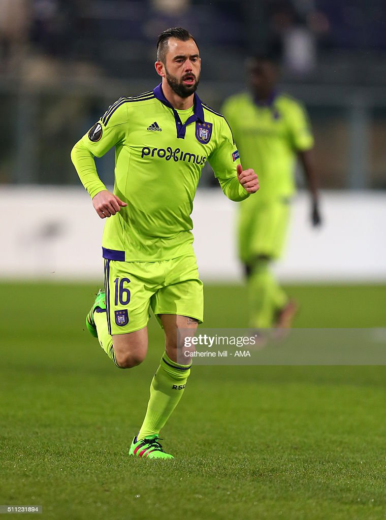 <a gi-track='captionPersonalityLinkClicked' href=/galleries/search?phrase=Steven+Defour&family=editorial&specificpeople=5733692 ng-click='$event.stopPropagation()'>Steven Defour</a> of Anderlecht during the UEFA Europa League match between Anderlecht and Olympiakos FC at Constant Vanden Stock Stadium on February 18, 2016 in Brussels, Belgium.
