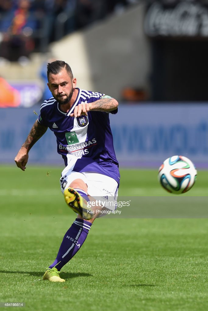 <a gi-track='captionPersonalityLinkClicked' href=/galleries/search?phrase=Steven+Defour&family=editorial&specificpeople=5733692 ng-click='$event.stopPropagation()'>Steven Defour</a> of Anderlecht in action during the Belgiun Jupilar League match between RSC Anderlecht and Waasland-Beveren at Constant Vanden Stock Stadium on August 24, 2014 in Brussels, Belgium.