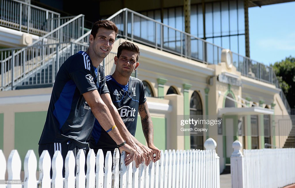 Steven Finn and <a gi-track='captionPersonalityLinkClicked' href=/galleries/search?phrase=Jade+Dernbach&family=editorial&specificpeople=667885 ng-click='$event.stopPropagation()'>Jade Dernbach</a> of England look on during a England nets session at Basin Reserve on February 14, 2013 in Wellington, New Zealand.
