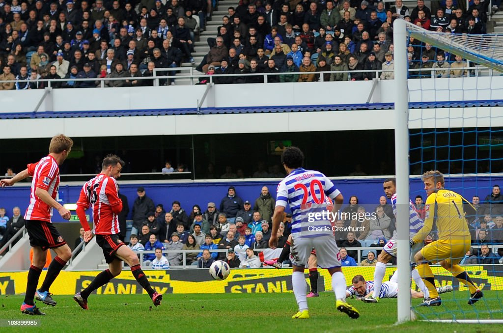 Steven Fletcher of Sunderland scores the opening goal during the Barclays Premier League match between Queens Park Rangers and Sunderland at Loftus Road on March 9, 2013 in London, England.