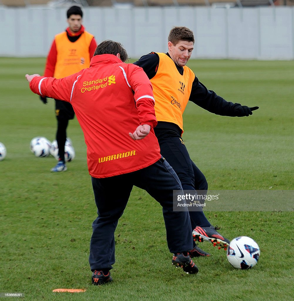 <a gi-track='captionPersonalityLinkClicked' href=/galleries/search?phrase=Steven+Gerrard&family=editorial&specificpeople=202052 ng-click='$event.stopPropagation()'>Steven Gerrard</a> and Colin Pascoe assistan manager of Liverpool in action during a training session at Melwood Training Ground on March 14, 2013 in Liverpool, England.