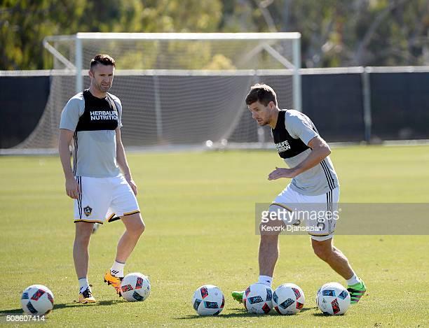 Steven Gerrard and Robbie Keane of the Los Angeles Galaxy train at StubHub Center February 5 in Carson California
