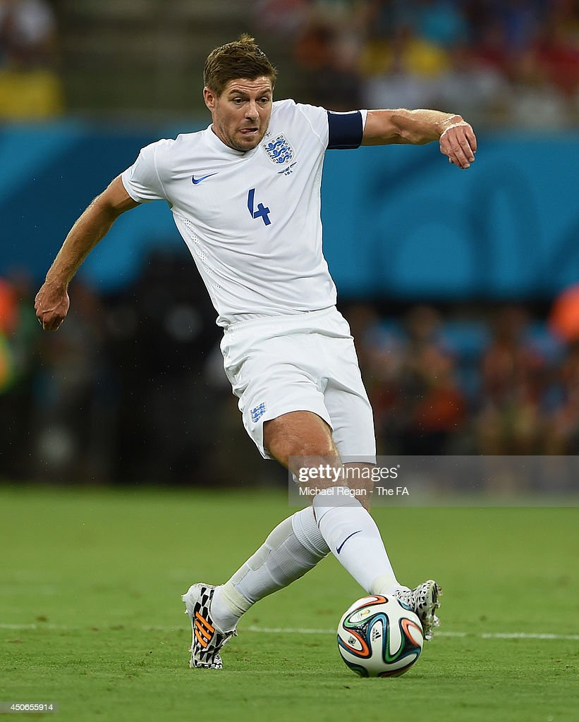 <a gi-track='captionPersonalityLinkClicked' href=/galleries/search?phrase=Steven+Gerrard&family=editorial&specificpeople=202052 ng-click='$event.stopPropagation()'>Steven Gerrard</a> of England in action during the 2014 FIFA World Cup Brazil Group D match between England and Italy at Arena Amazonia on June 14, 2014 in Manaus, Brazil.