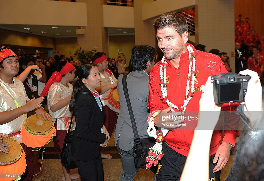 <a gi-track='captionPersonalityLinkClicked' href=/galleries/search?phrase=Steven+Gerrard&family=editorial&specificpeople=202052 ng-click='$event.stopPropagation()'>Steven Gerrard</a> of Liverpool arrives in Bangkok for a stop on the club's Pre-Season tour on July 25, 2013 in Bangkok, Thailand.