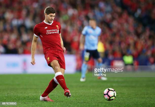 Steven Gerrard of Liverpool controls the ball during the International Friendly match between Sydney FC and Liverpool FC at ANZ Stadium on May 24...