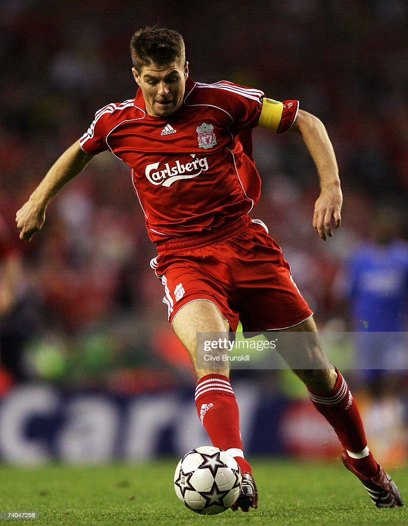 Steven Gerrard of Liverpool in action during the UEFA Champions League semi final second leg match between Liverpool and Chelsea at Anfield on May 1, 2007 in Liverpool, England.