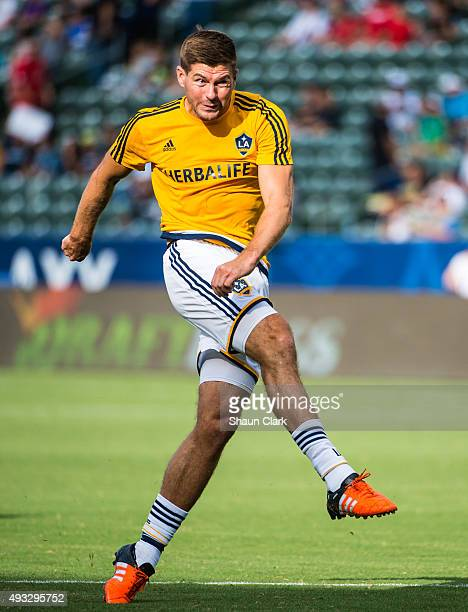 Steven Gerrard of Los Angeles Galaxy warms up prior to the Los Angeles Galaxy's MLS match against Portland Timbers at the StubHub Center on October...