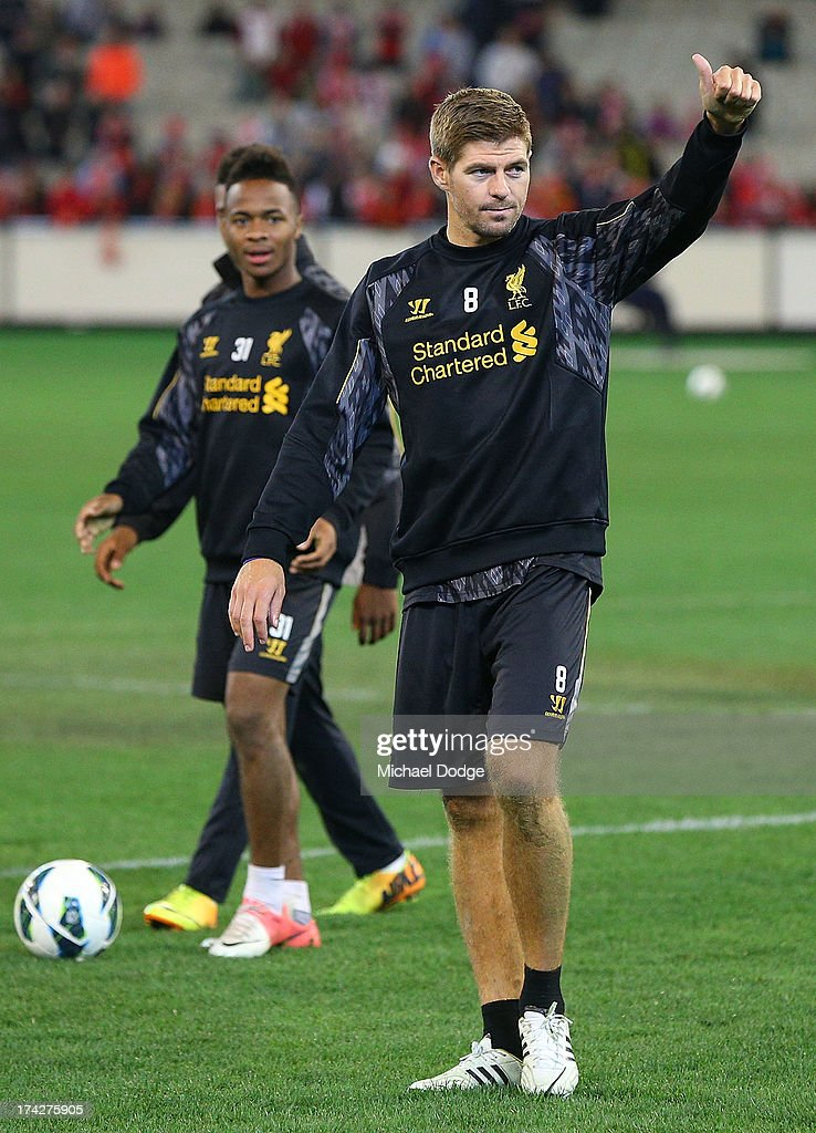 <a gi-track='captionPersonalityLinkClicked' href=/galleries/search?phrase=Steven+Gerrard&family=editorial&specificpeople=202052 ng-click='$event.stopPropagation()'>Steven Gerrard</a> thanks the crowd for their support during a Liverpool FC training session at Melbourne Cricket Ground on July 23, 2013 in Melbourne, Australia.