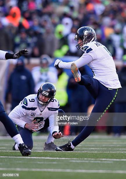 Steven Hauschka of the Seattle Seahawks makes a field goal in the fourth quarter against the Minnesota Vikings during the NFC Wild Card Playoff game...
