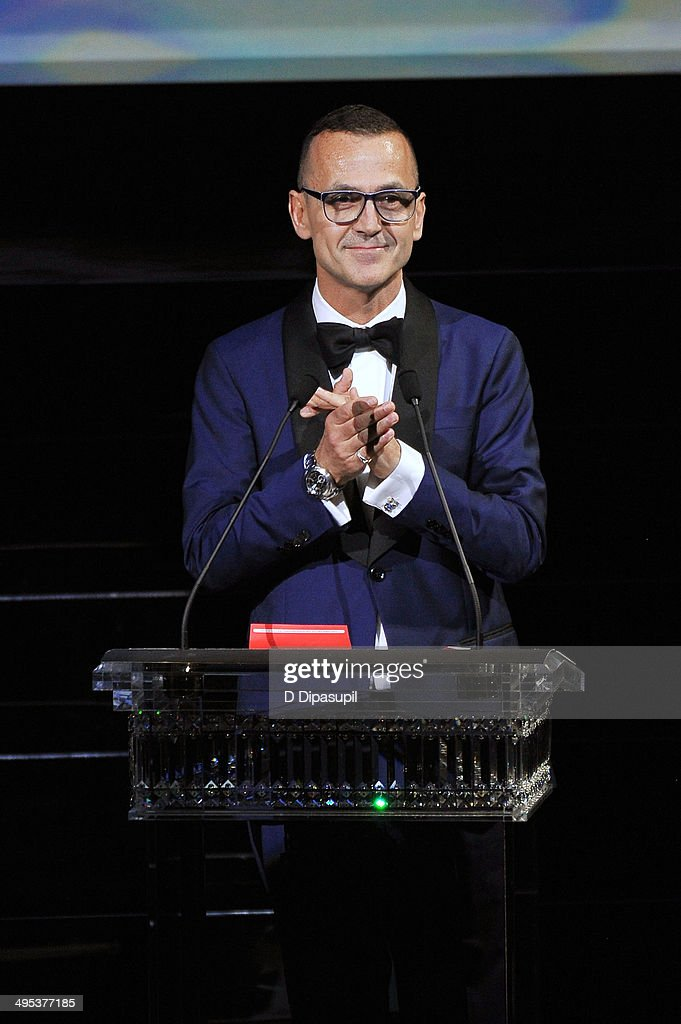 <a gi-track='captionPersonalityLinkClicked' href=/galleries/search?phrase=Steven+Kolb&family=editorial&specificpeople=854812 ng-click='$event.stopPropagation()'>Steven Kolb</a> speaks onstage at the 2014 CFDA fashion awards at Alice Tully Hall, Lincoln Center on June 2, 2014 in New York City.