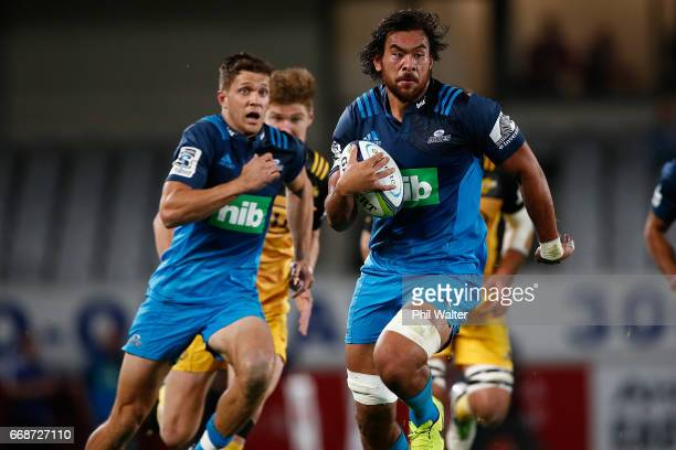 Steven Luatua of the Blues makes a break during the round eight Super Rugby match between the Blues and the Highlanders at Eden Park on April 15 2017...