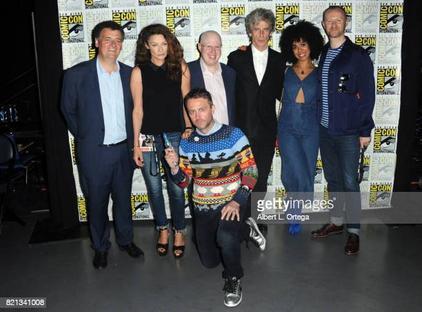 Steven Moffat Michelle Gomez Matt Lucas Peter Capaldi Pearl Mackie Mark Gatiss and Chris Hardwick at 'Doctor Who' BBC America official panel during...