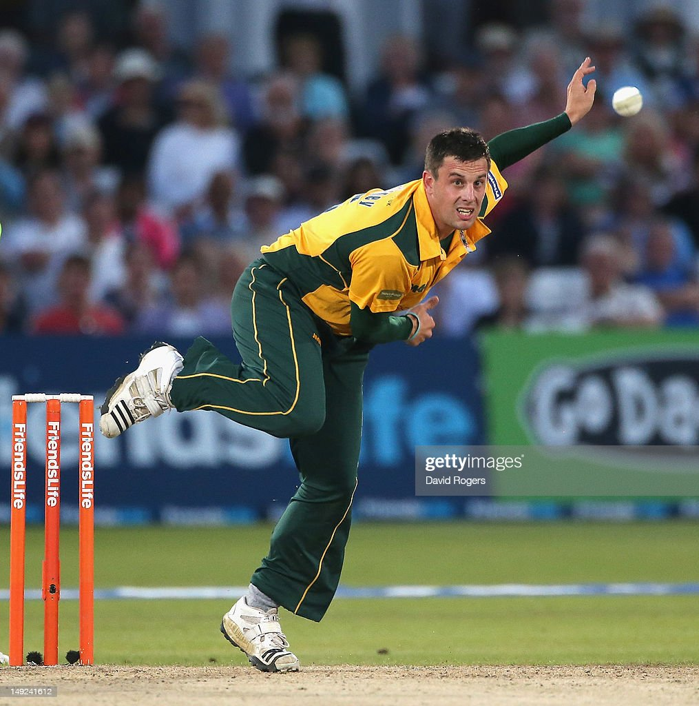 Steven Mullaney of Nottinghamshire bowls during the Friends Life T20 match between Nottinghamshire and Hampshire at Trent Bridge on July 25, 2012 in Nottingham, England.