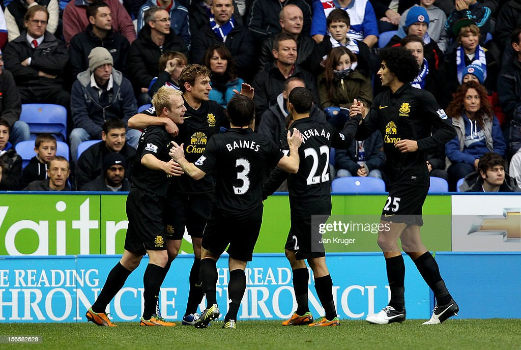 <a gi-track='captionPersonalityLinkClicked' href=/galleries/search?phrase=Steven+Naismith&family=editorial&specificpeople=4130861 ng-click='$event.stopPropagation()'>Steven Naismith</a> of Everton celebrates his opening goal with teammates during the Barclays Premier League match between Reading and Everton at Madejski Stadium on November 17, 2012 in Reading, England.