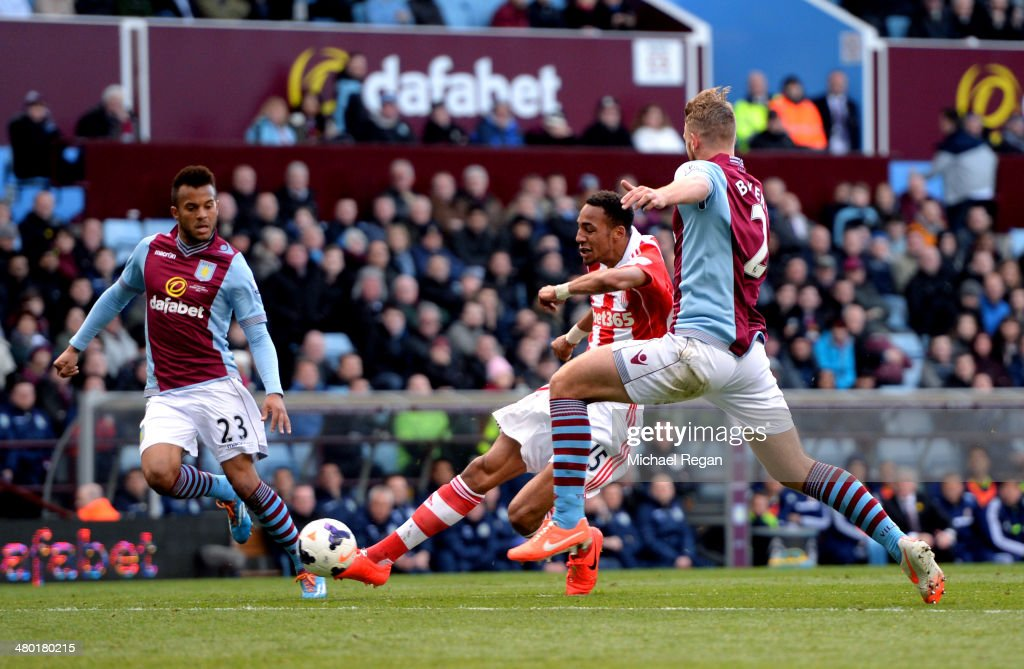 <a gi-track='captionPersonalityLinkClicked' href=/galleries/search?phrase=Steven+N%27Zonzi&family=editorial&specificpeople=6324480 ng-click='$event.stopPropagation()'>Steven N'Zonzi</a> of Stoke scores his team's third goal during the Barclays Premier League match between Aston Villa and Stoke City at Villa Park on March 23, 2014 in Birmingham, England.