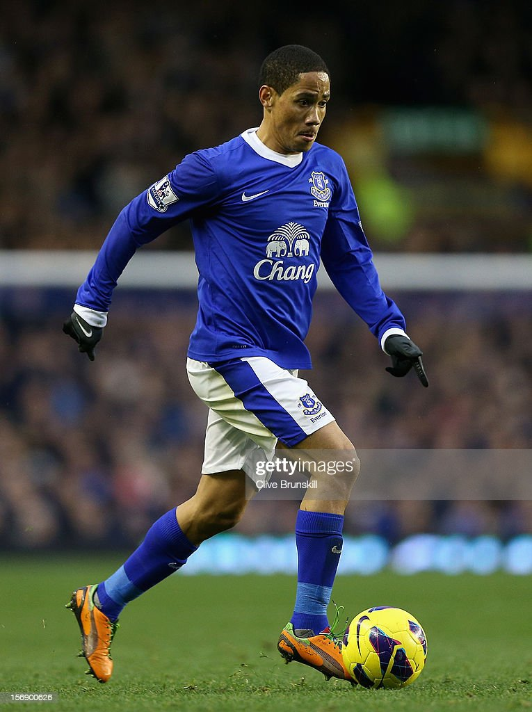 <a gi-track='captionPersonalityLinkClicked' href=/galleries/search?phrase=Steven+Pienaar&family=editorial&specificpeople=787271 ng-click='$event.stopPropagation()'>Steven Pienaar</a> of Everton in action during the Barclays Premier League match between Everton and Norwich City at Goodison Park on November 24, 2012 in Liverpool, England.
