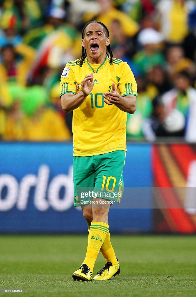 <a gi-track='captionPersonalityLinkClicked' href=/galleries/search?phrase=Steven+Pienaar&family=editorial&specificpeople=787271 ng-click='$event.stopPropagation()'>Steven Pienaar</a> of South Africa urges his team mates on during the 2010 FIFA World Cup South Africa Group A match between France and South Africa at the Free State Stadium on June 22, 2010 in Mangaung/Bloemfontein, South Africa.