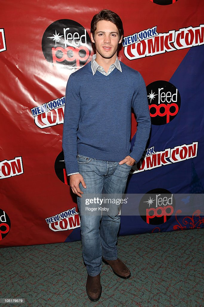 <a gi-track='captionPersonalityLinkClicked' href=/galleries/search?phrase=Steven+R.+McQueen+-+Born+1988&family=editorial&specificpeople=4069204 ng-click='$event.stopPropagation()'>Steven R. McQueen</a> attends The Vampire Diaries panel at the 2010 New York Comic Con at the Jacob Javitz Center on October 10, 2010 in New York City.
