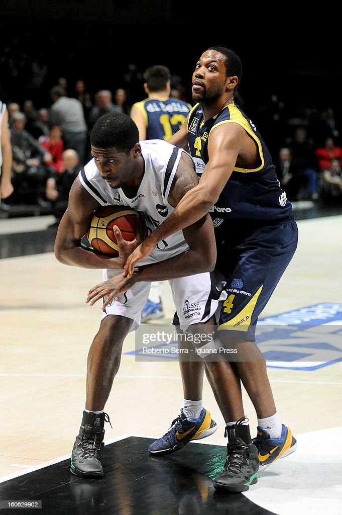 Steven Smith of SAIE3 competes with Ronald Steele of Sutor during the LegaBasket Serie A match between Virtus Bologna SAIE3 and Sutor Montegranaro at Unipol Arena on February 3, 2013 in Bologna, Italy.