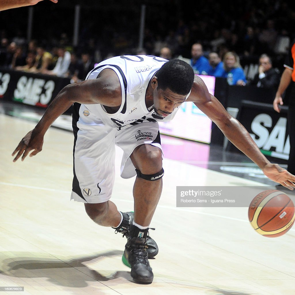 Steven Smith of SAIE3 in action during the LegaBasket Serie A match between Virtus Bologna SAIE3 and Sutor Montegranaro at Unipol Arena on February 3, 2013 in Bologna, Italy.
