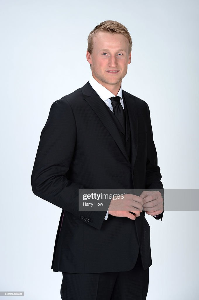 <a gi-track='captionPersonalityLinkClicked' href=/galleries/search?phrase=Steven+Stamkos&family=editorial&specificpeople=4047623 ng-click='$event.stopPropagation()'>Steven Stamkos</a> of the Tampa Bay Lighting poses for a portrait during the 2012 NHL Awards at the Encore Theater at the Wynn Las Vegas on June 20, 2012 in Las Vegas, Nevada.