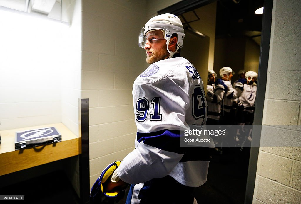 <a gi-track='captionPersonalityLinkClicked' href=/galleries/search?phrase=Steven+Stamkos&family=editorial&specificpeople=4047623 ng-click='$event.stopPropagation()'>Steven Stamkos</a> #91 of the Tampa Bay Lightning gets ready to lead his team to the ice for the first time during the playoffs and against the Pittsburgh Penguins before Game Seven of the Eastern Conference Finals in the 2016 NHL Stanley Cup Playoffs at the Amalie Arena on May 26, 2016 in Tampa, Florida.