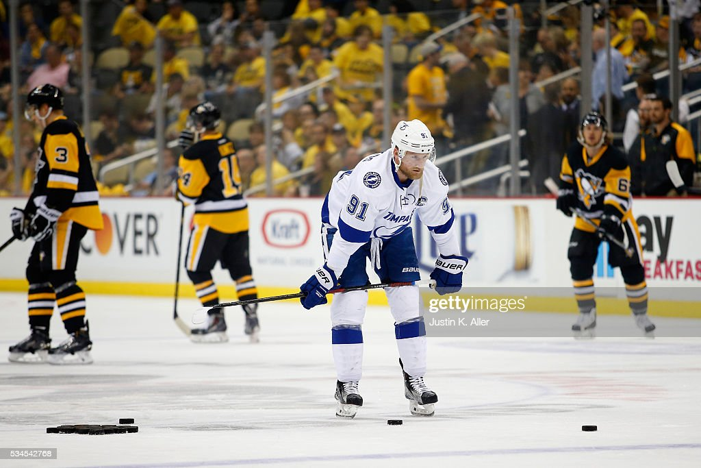 <a gi-track='captionPersonalityLinkClicked' href=/galleries/search?phrase=Steven+Stamkos&family=editorial&specificpeople=4047623 ng-click='$event.stopPropagation()'>Steven Stamkos</a> #91 of the Tampa Bay Lightning looks on in warm-ups prior to Game Seven of the Eastern Conference Final against the Pittsburgh Penguins during the 2016 NHL Stanley Cup Playoffs at Consol Energy Center on May 26, 2016 in Pittsburgh, Pennsylvania.